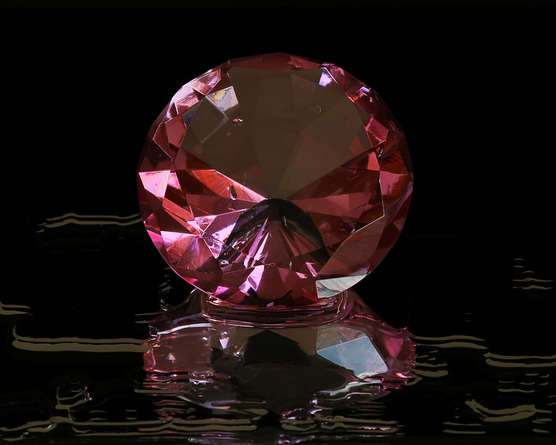 pink-diamond-82592_1920 large